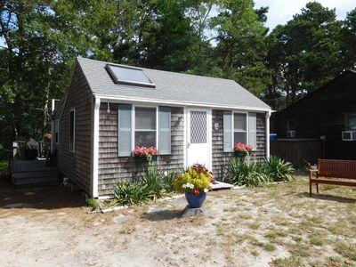 Photo for Cozy 2 Bedroom Cottage in a Great Central Location!