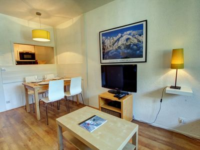Photo for Chamonix centre apartment overlooking quiet garden for up to 4 people