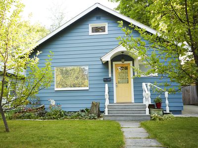 Photo for Cozy 2 Bd. home, a short walk to downtown dining and shopping