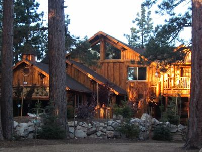 Log Home Rustic Elegance