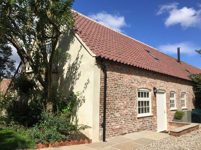 Photo for THE DOWER HOUSE COTTAGE, with a garden in Kirklington, Ref 947662