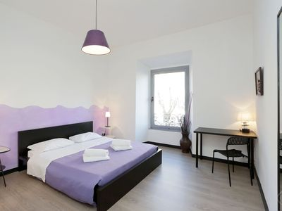 Photo for A modern and contemporary three-bedroom apartment for up to six people, a short stroll from the icon