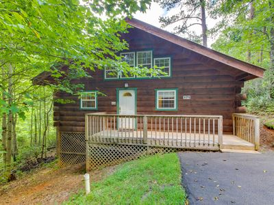 Photo for Cozy dog-friendly cabin w/private hot tub, jetted tub & great screened-in deck