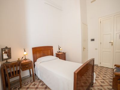 Photo for Single room with private bathroom in the center of Cagliari