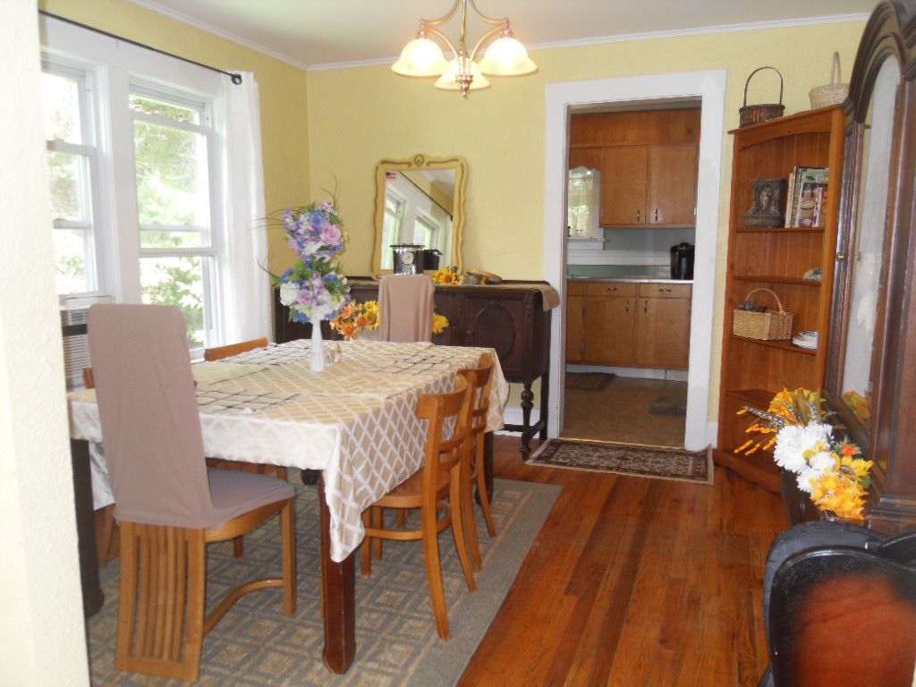 Bemus Bay Cottage With Charm Close To Lake And The Village