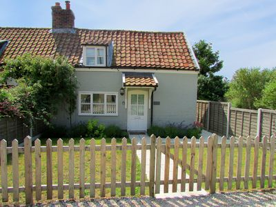 Photo for 2 Bedroom Period Cottage with wifi, garden & parking - Sleeps 3