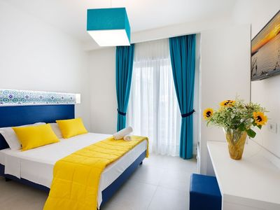 Photo for Apartment in the center of Sorrento with Air conditioning, Balcony, Washing machine (687601)