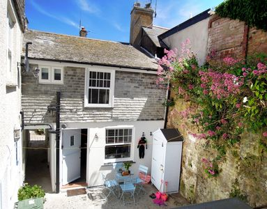 Photo for Sandy Feet Cottage | Downalong St Ives