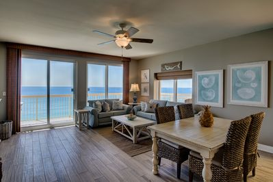 180° water views, Queen pull-out, south & west facing windows.