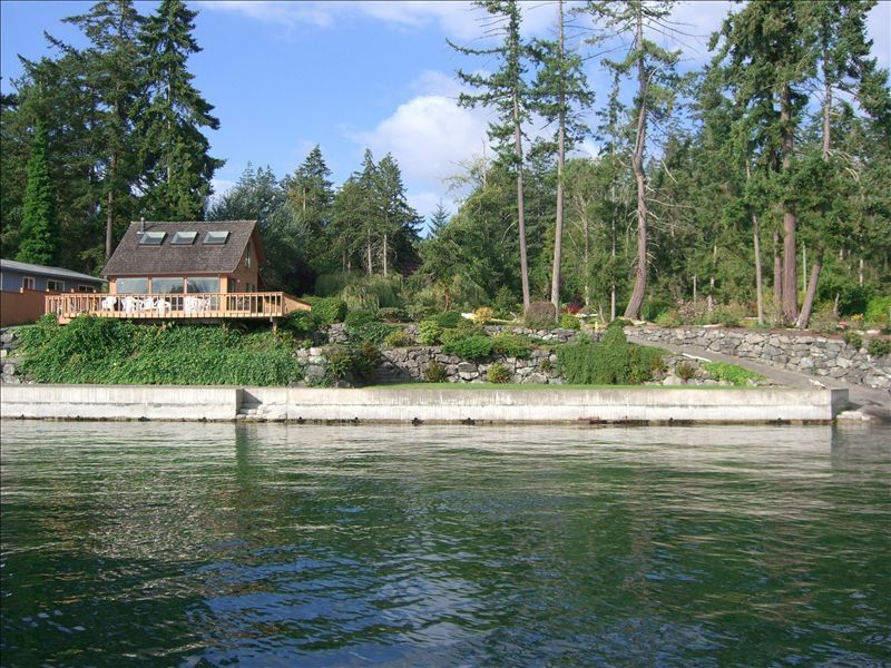 Property Image#2 Enjoy Island Living On A Sandy Puget Sound Beach With A  View