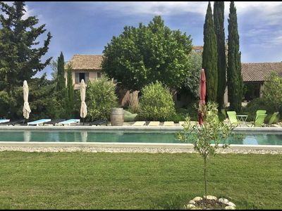 Photo for A farmhouse in Provence, close to Mont Ventoux, calm in the middle of vineyards.