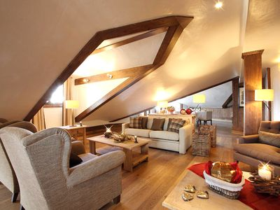 Photo for 3 bedroom Chalet, sleeps 6 with Pool and FREE WiFi