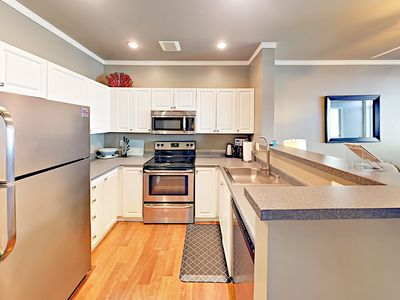 Kitchen - Your rental will be meticulously clean for your arrival, thanks to TurnKey's professional housekeeping team.