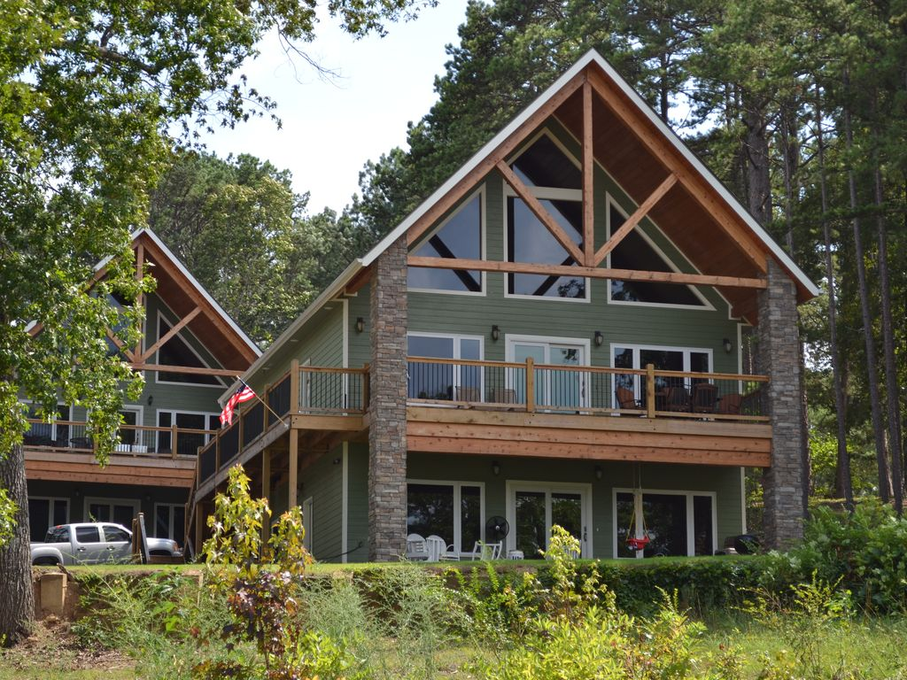 New lakefront cabin with boat slip magnif homeaway for Lakefront cabins june lake