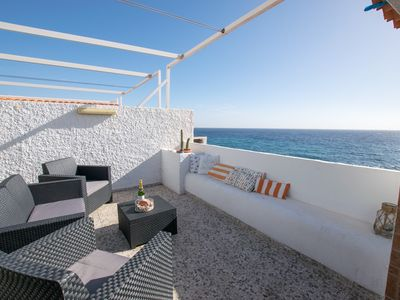 Photo for Cosy Oceanfront Property with Pool, Parking & WIFI - Apartment for 4 people in Candelaria