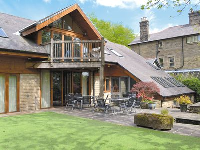 5 bedroom accommodation in Buxton