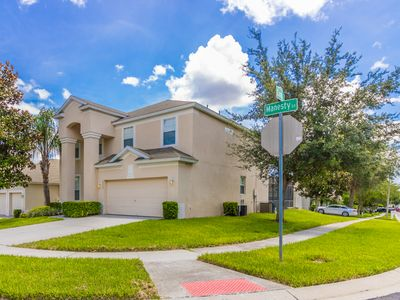 Photo for Beautiful 6 Bed / 4 Bath Villa, just 2.5 Miles to Disney with FREE pool heat.