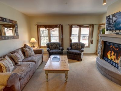 Photo for Jack Pine 8015 1 block to the slopes, Garage Parking, FREE WIFI, HOT TUB, RR Views By SummitCove Lodging
