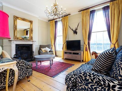 Photo for Charming townhouse with fireplace and steps leading to a lovely garden (Veeve)