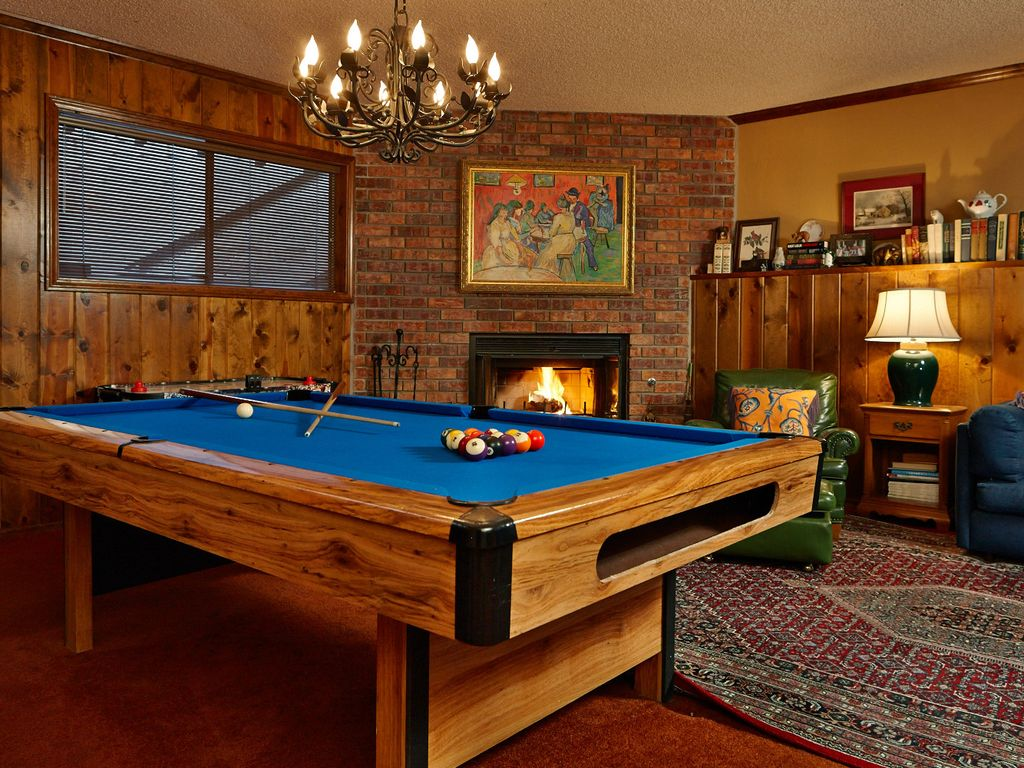 Summerhill cottage with game room pool table and access for Big game room