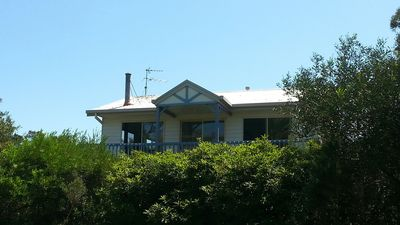 Photo for Inverloch Beach Retreat - relax in air conditioned comfort all year round!
