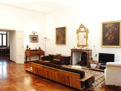 Photo for Large apartment on 2 levels, 4 rooms, Florence center, bright quiet