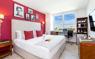 Photo for EXECUTIVE DOUBLE KING ROOM, CITY VIEW, SMART TV, FREE GYM, POOL, PRIVATE WI-FI