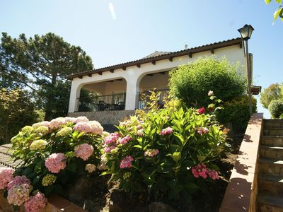 Photo for Detached villa with private pool and fantastic views in Lloret de Mar.
