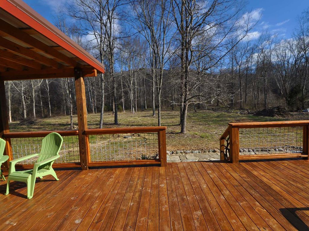 Moondance river cabin experience the romance upscale for Cottages with sauna and hot tub