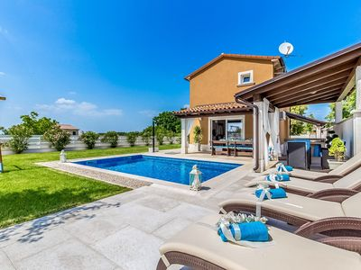 Photo for Charming villa with private pool in Central Istria