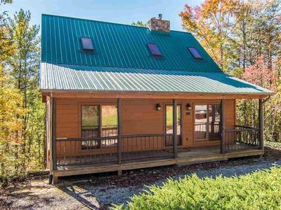 Photo for Beautifully decorated 2 bedroom cabin, Sleeps 6 guests, 3 fireplaces, Arcade games, Laurel Valley