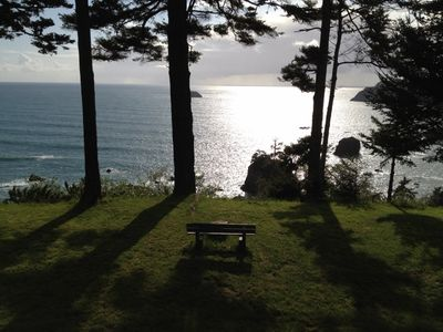 SUNSET KNOLL - TRANQUILITY BY THE SEA! - Sit and meditate from the bench while taking in the incredible seascape.