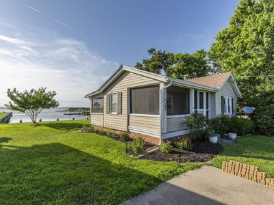 Photo for Make amazing Vacation Memories in this adorable 2 Bedroom/1 Bath Waterfront Cottage.