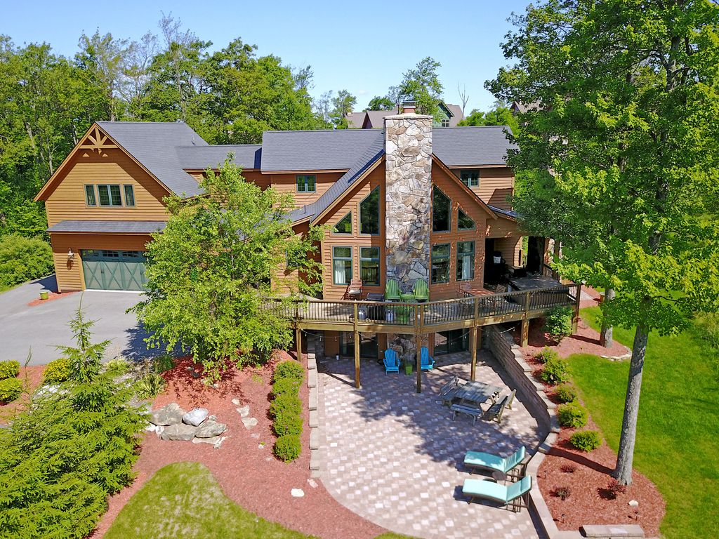 Unique Mountaintop Home with Lots of Amenit... - VRBO
