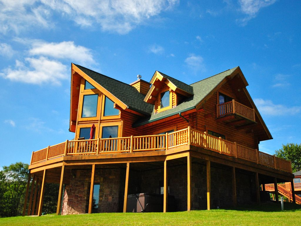 Stunning 5 bedroom log home with hot tub offers for 5 bedroom log homes