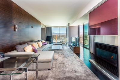 GREAT VALUE! PALMS PLACE ONE BEDROOM SUITE, HIGH FLOOR- GREAT VIEW-  REFRESHED - Las Vegas
