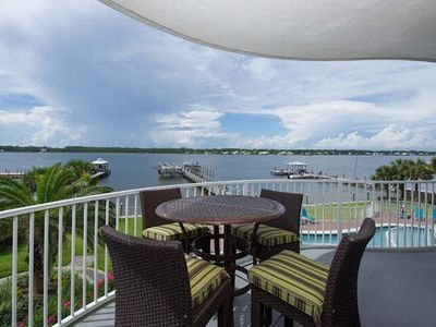 !!Lots of sand and flip flops !! Beautiful Luxury Condo 3BD 3BA