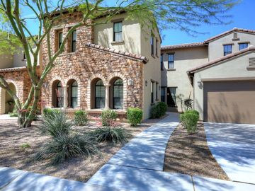 Beautifully Appointed Scottsdale Townhouse