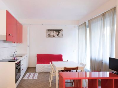 Photo for Red&White Studio apartment in Pisa with WiFi, air conditioning & balcony.