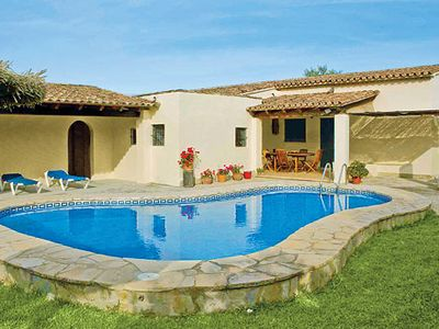 Photo for Peaceful villa with great mountain view and free Wi-Fi, close to historic town