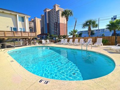 Photo for Condo, 2 Bedrooms + Convertible bed(s), 1.5 Baths, (Sleeps 4-6) Pet Friendly