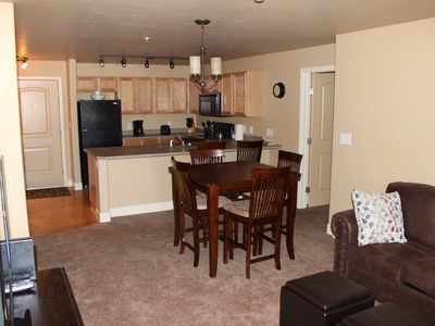 Photo for First Tracks, 2 bed/2 bath, 1st Floor-No stairs, Kid Friendly, Great Amenities!