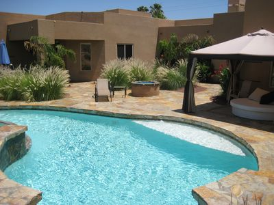 Pool and Loungebed - fire pit - beautiful! Saltwater - pebblerech pool!