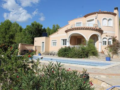 Photo for Detached villa with large private pool