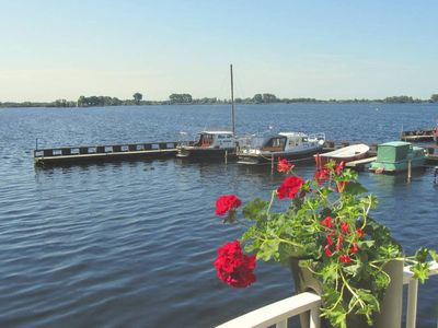 Photo for Comfy Apartment with great lake views