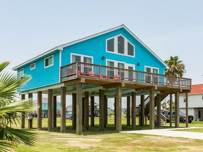 Photo for NEW LISTING! Charming beach house w/ deck - pool, playground, boat launch nearby