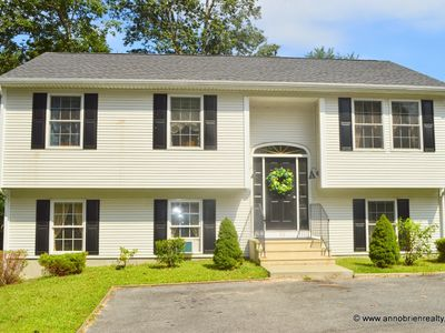 Spacious 5-Bedroom Home with Private Neighborhood Beach and Boat Launch