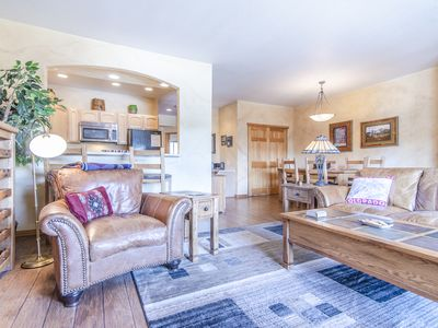 Photo for Cozy 2 Bed / 2 Bath Condo in Heart of Downtown Winter Park!  Views!!!