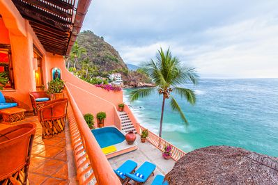 A Villa with a View + Oceanfront + Private Beach + Fabulous Chef +  SPECIAL RATE