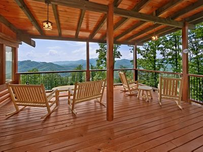 Photo for 6 bedroom cabin with hot tub, game room, in-home theater, and free passes to local attractions